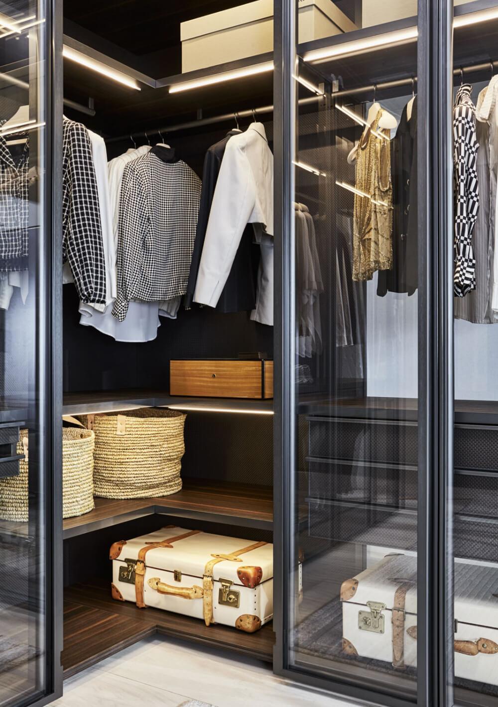 Glissmaster garderob för hall och sovrum